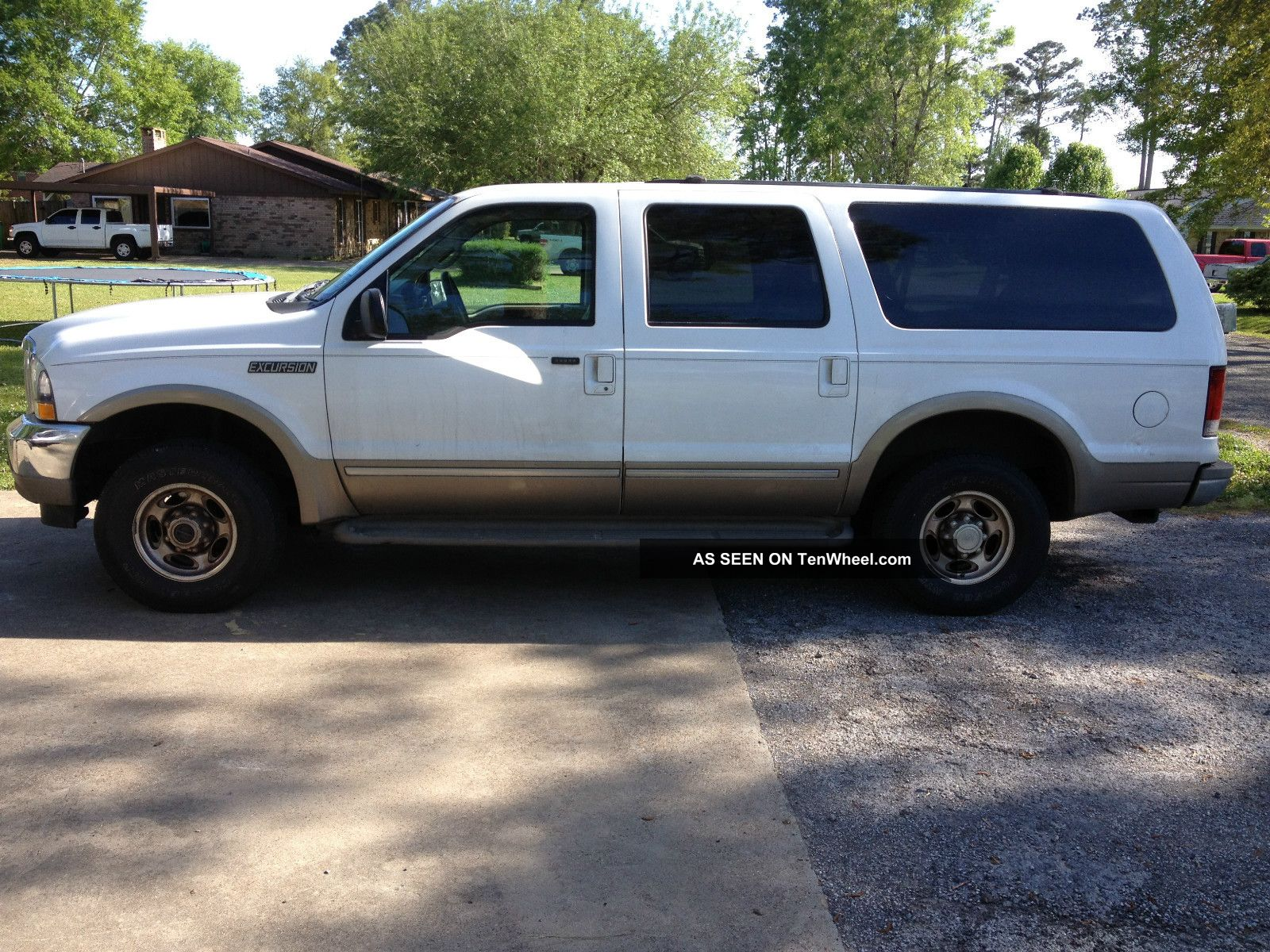 14 Passenger Super Stretch Ford Excursion Suv together with 2007 Ford Expedition also Wiring For Tv And Dvd Player as well Sale in addition Read. on ford excursion dvd
