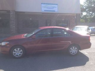 2004 Toyota Camry Le Sedan 4 - Door 2.  4l photo