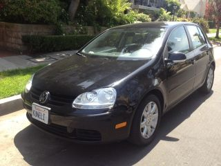2008 Volkswagen Rabbit S Hatchback 4 - Door 2.  5l photo