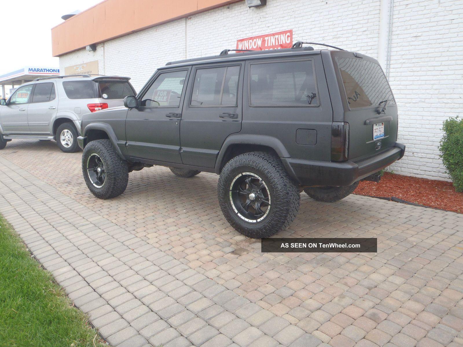1997 Jeep Cheerokee 4 Inch Lift A / C Flat Black Full Cage 4x4 Nitro Tires Perfect Cherokee photo