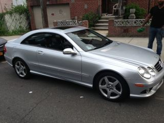 2006 Mercedes - Benz Clk500 Base Coupe 2 - Door 5.  0l photo