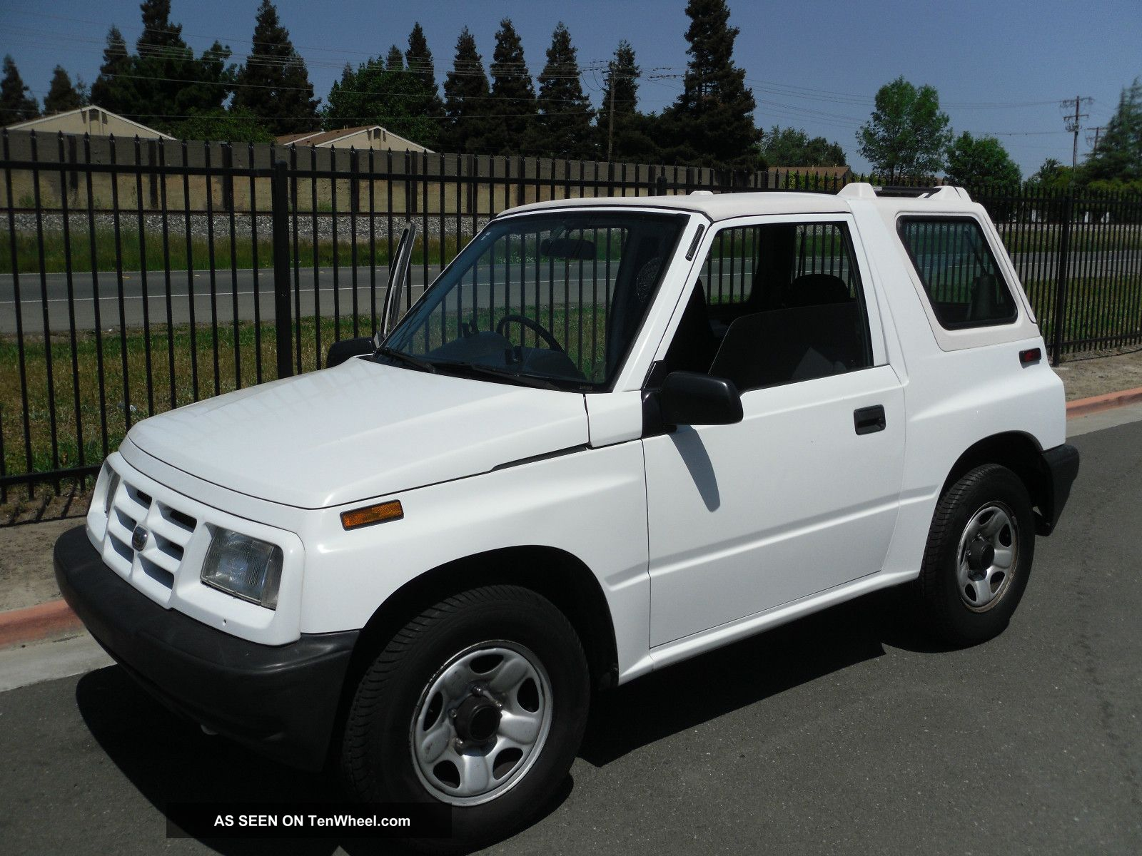 1997 Geo Tracker Right Hand Drive Geo photo
