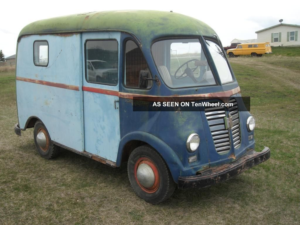 1957 International Harvester Metro - Shortest Body Style - Runs - Drives - Stops Other photo