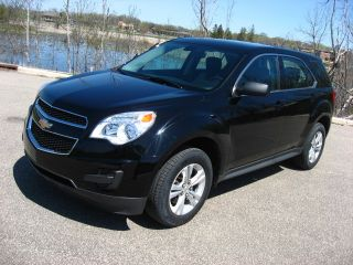 2011 Chevy Equinox Ls Black 2.  4 4cyl Fwd 32mpg Very Affordable photo