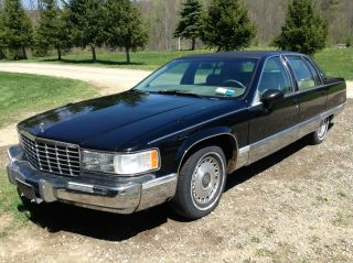 1994 Cadillac Fleetwood Brougham Sedan 4 - Door 5.  7l photo