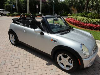 2005 Mini Cooper Convertible Automatic,  Seats,  Parktronic photo