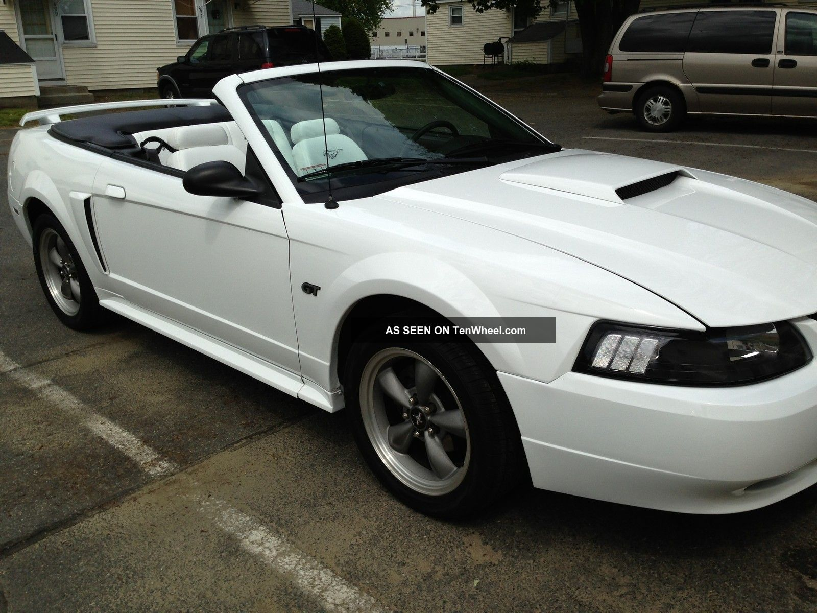 2001 ford mustang gt convertible v8 automatic fresh paint. Black Bedroom Furniture Sets. Home Design Ideas