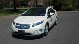 2012 Chevrolet Volt Hatchback 4door White Diamond Immuculat photo