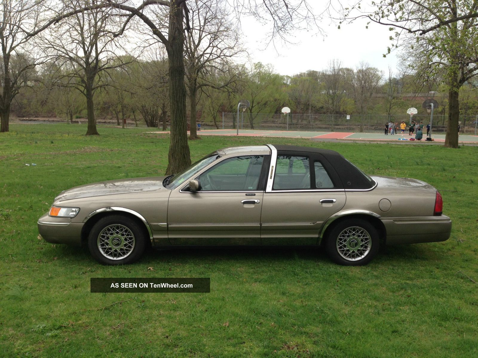 2001 Mercury Grand Marquis Gs Very Grand Marquis photo