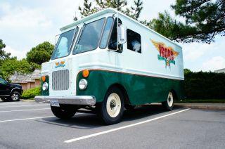 1965 Gmc Step Van,  Bread Truck,  Alum.  Body,  Fresh Paint,  Runs N Drives Great. photo