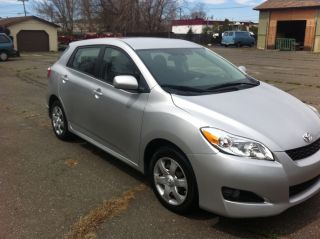 2009 Toyota Matrix Base Wagon 4 - Door 1.  8l photo