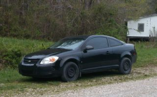 2007 Chevrolet Cobalt Ls Coupe 2 - Door 2.  2l photo