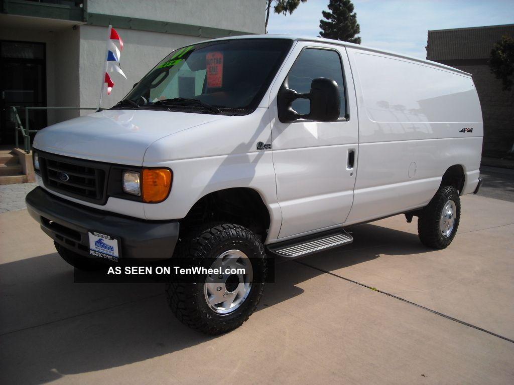 2007 Ford E - 350 4x4 Quigley Cargo Van