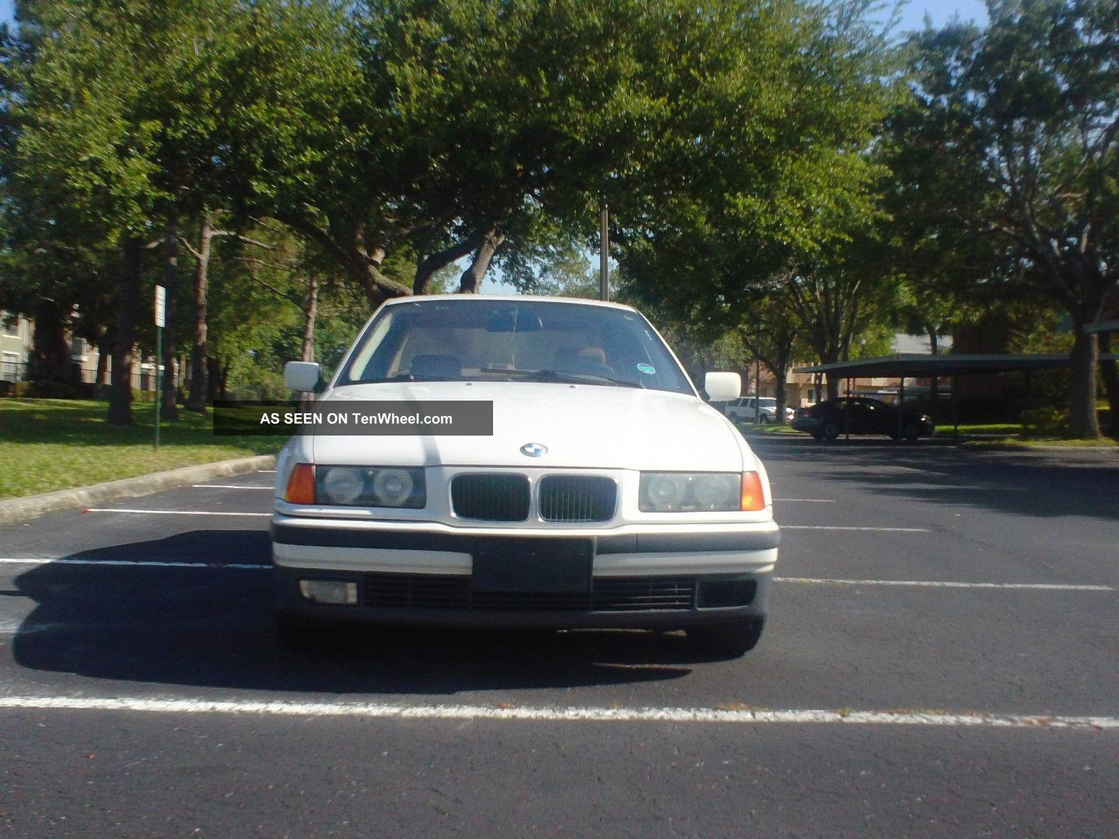 1995 Bmw 318i Base Sedan 4 - Door 1.  8l 3-Series photo