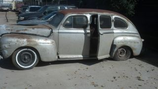 1948 Ford Deluxe photo