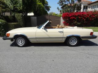 1981 380 Sl Convertible With Hard Top Lid Cream / Tan photo