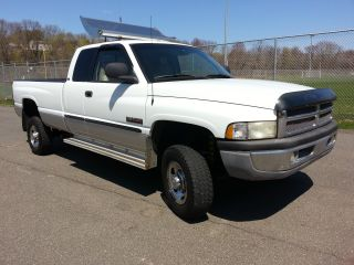 1999 Dodge Ram 2500 Quad Cab Slt Laramie.  Cummins Diesel photo