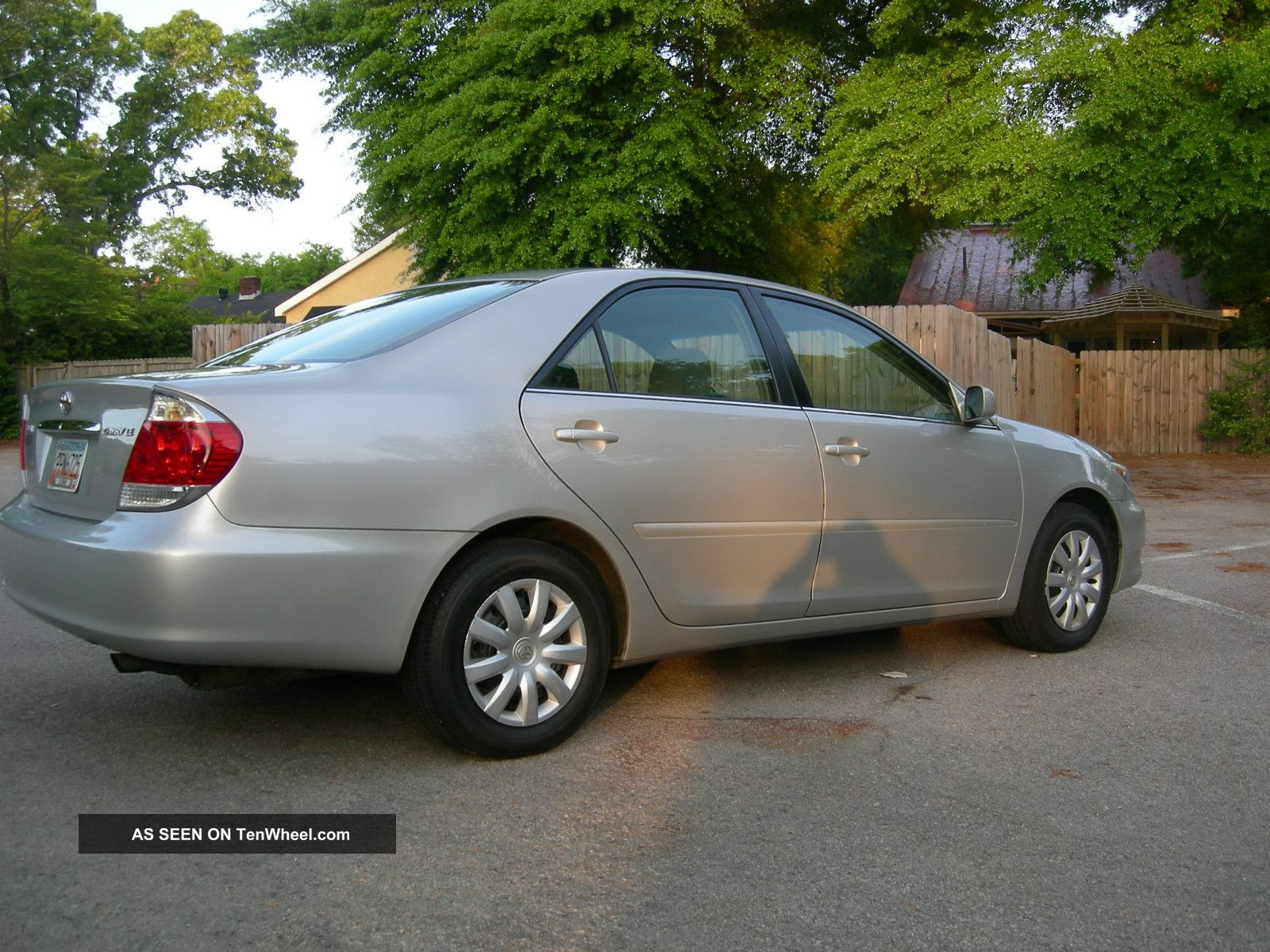 2005 Toyota Camry Le.  7 Year.  Meticulously Maintained.  Ex.  Condition Camry photo