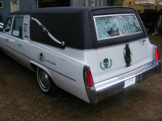 1977 Cadillac Hearse Custom Deathscalade S&s White photo