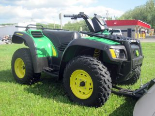 2005 John Deere Buck 500 photo