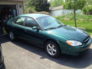 2000 Ford Taurus Se 2 - Valve Sedan 4 - Door 3.  0l photo