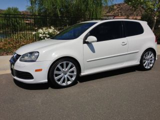 2008 Volkswagen R32 Hatchback 2 - Door 3.  2l Candy White,  Great Deal photo