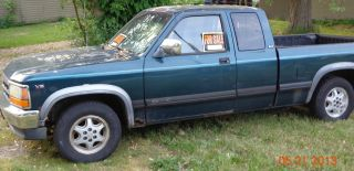 1994 Dodge Dakota Base Standard Cab Pickup 2 - Door 3.  9l photo