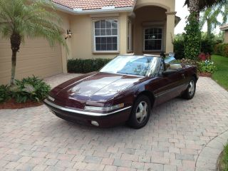 1990 Buick Reatta Base Convertible 2 - Door 3.  8l photo