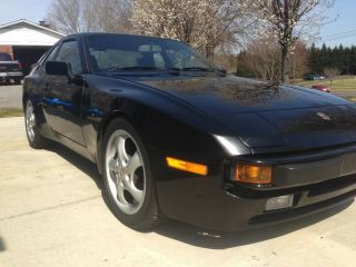 1987 Porsche 944 - 20k In Upgrades - Full Koni,  Momo,  Etc. . photo