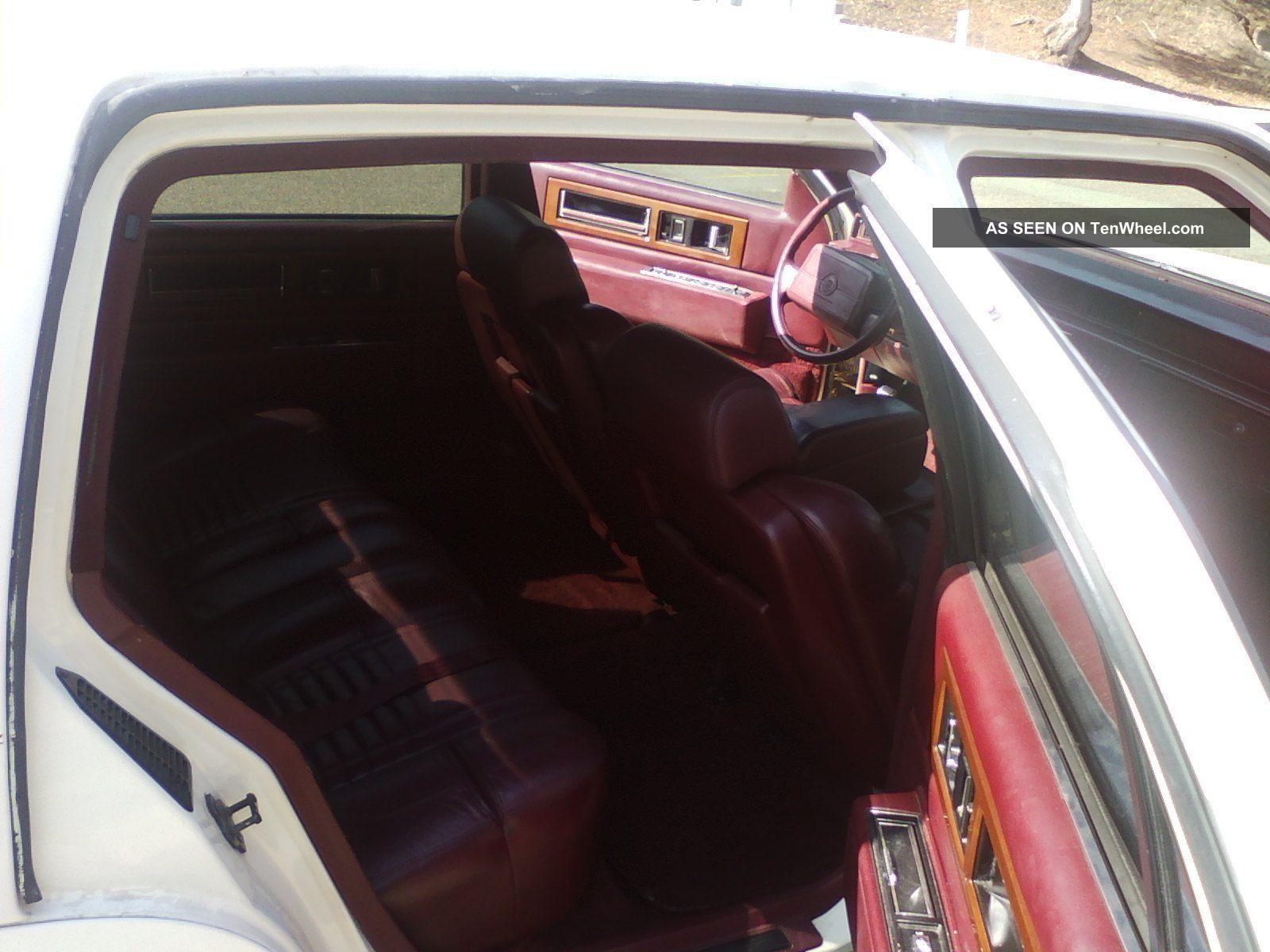 1992 Cadillac Fleetwood 60 Special Sedan 4 Door 4 9l