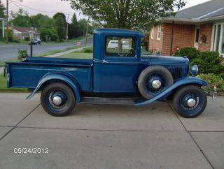 1932 Ford Pickup Modle B 4 Cylinder photo