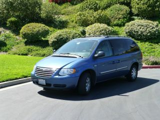 2005 Chrysler Town And Country Minivan photo