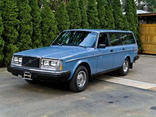 1983 Volvo 240dl Station Wagon photo