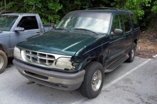 1997 Ford Explorer Xlt Sport Utility 4 - Door 4.  0l V6,  Runs Forward Not Backward photo