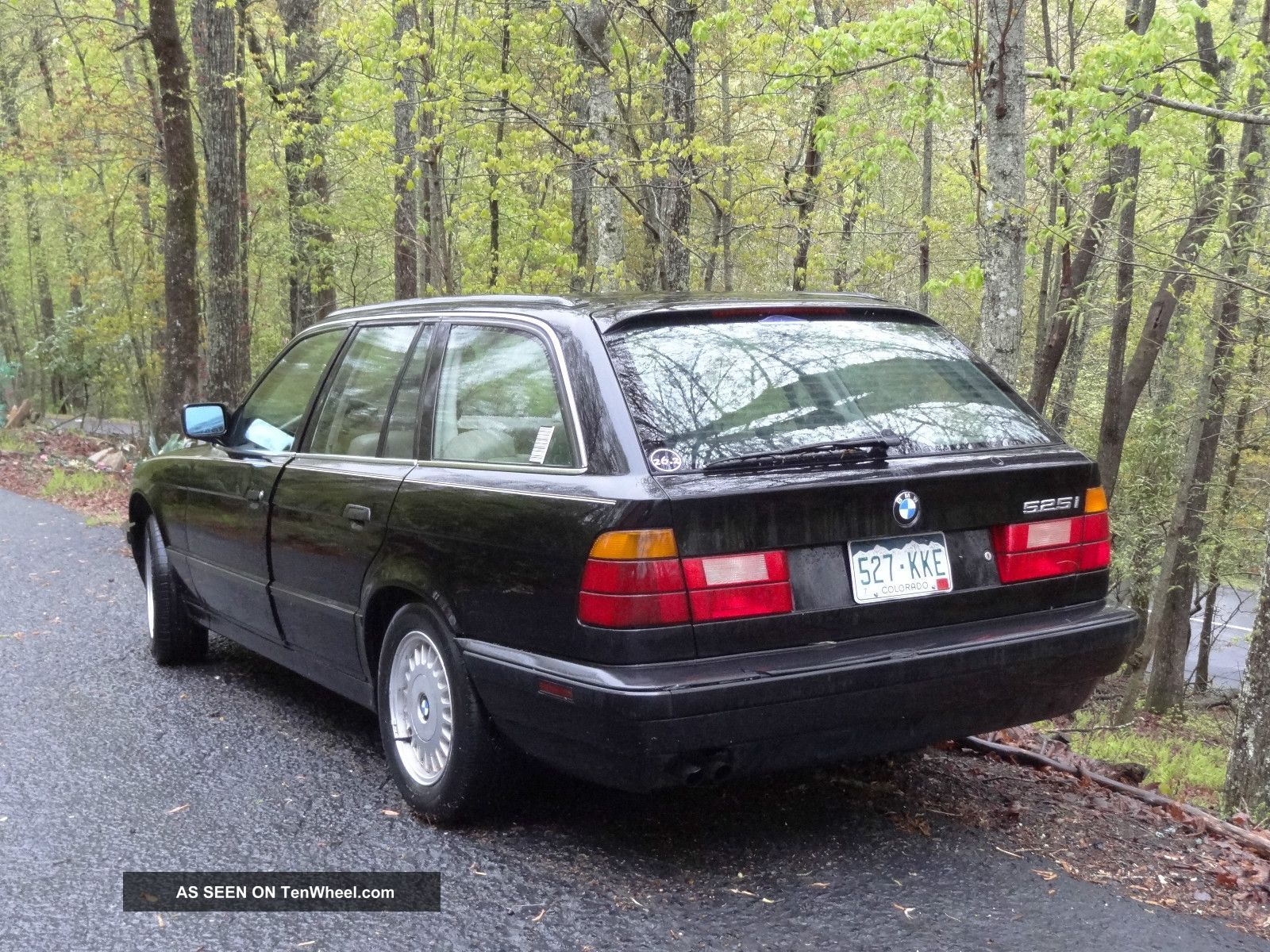 1992 bmw 525i base wagon 4 door 2 5l black tan 5 series photo 1