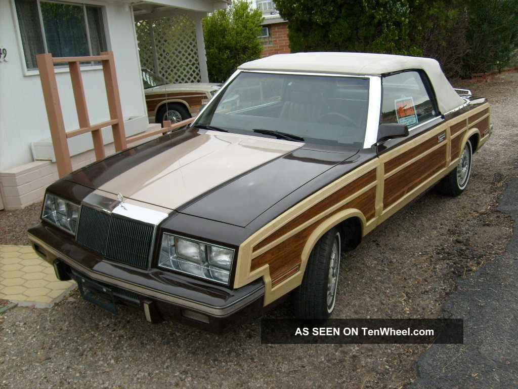 1983 Chrysler Convertible (woody) Town & Country photo
