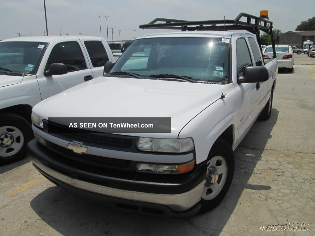 Chevrolet Silverado 1500 2002 - 8 Cylinder Gas - Automatic Trans - Power Stering Silverado 1500 photo