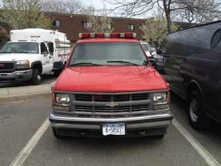 Chevy Tahoe Government Owned With Lifeguard Beach Patrol Decals Thumb Lgw on 2004 Chevy Tahoe Z71