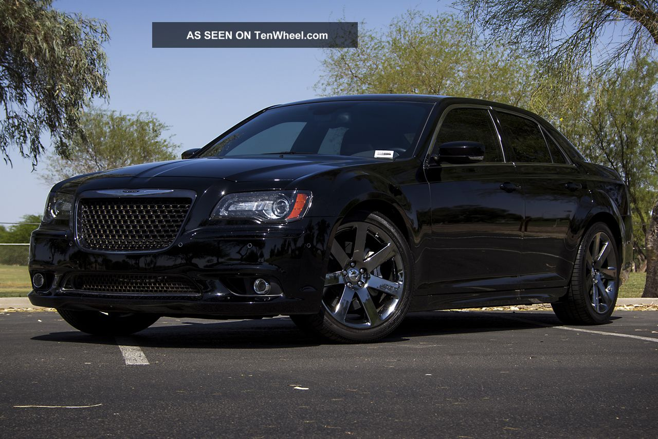 2012 Chrysler 300 Srt8 300 Series photo