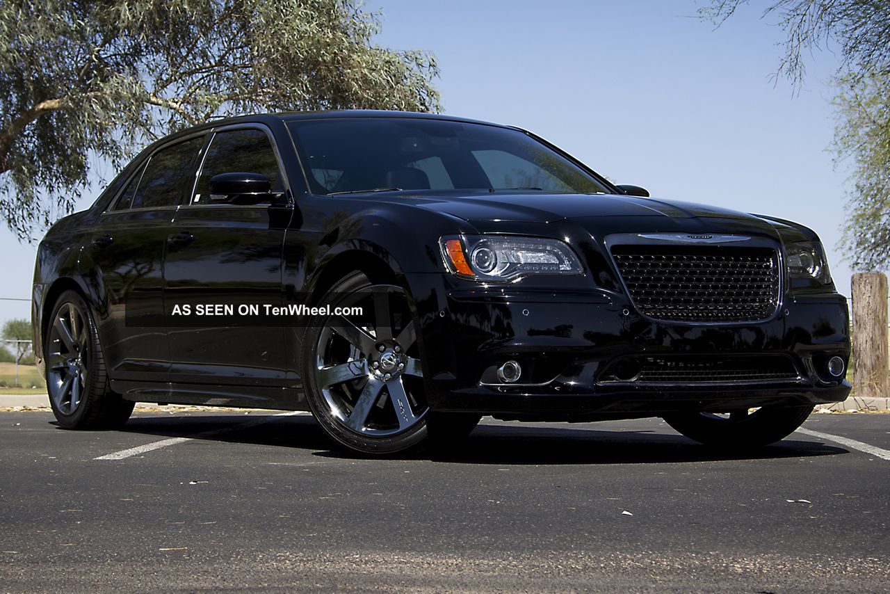 2012 chrysler 300 srt8 300 series photo 4. Cars Review. Best American Auto & Cars Review