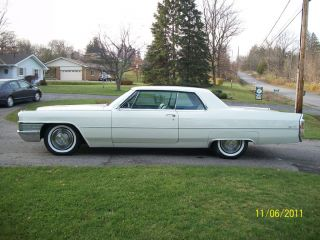 1965 Cadilac Coupe Deville photo