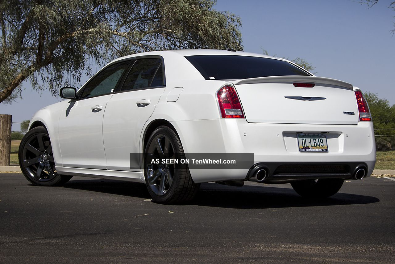 2012 chrysler 300 srt8 300 series photo 9. Cars Review. Best American Auto & Cars Review