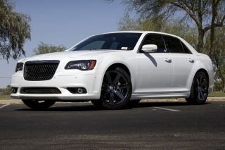 2012 Chrysler 300 Srt8 photo