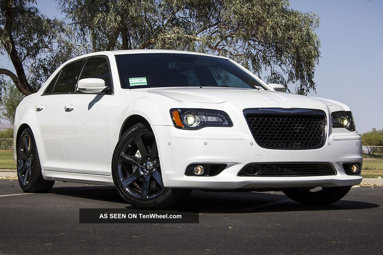 2012 chrysler 300 srt8 300 series photo 5. Cars Review. Best American Auto & Cars Review