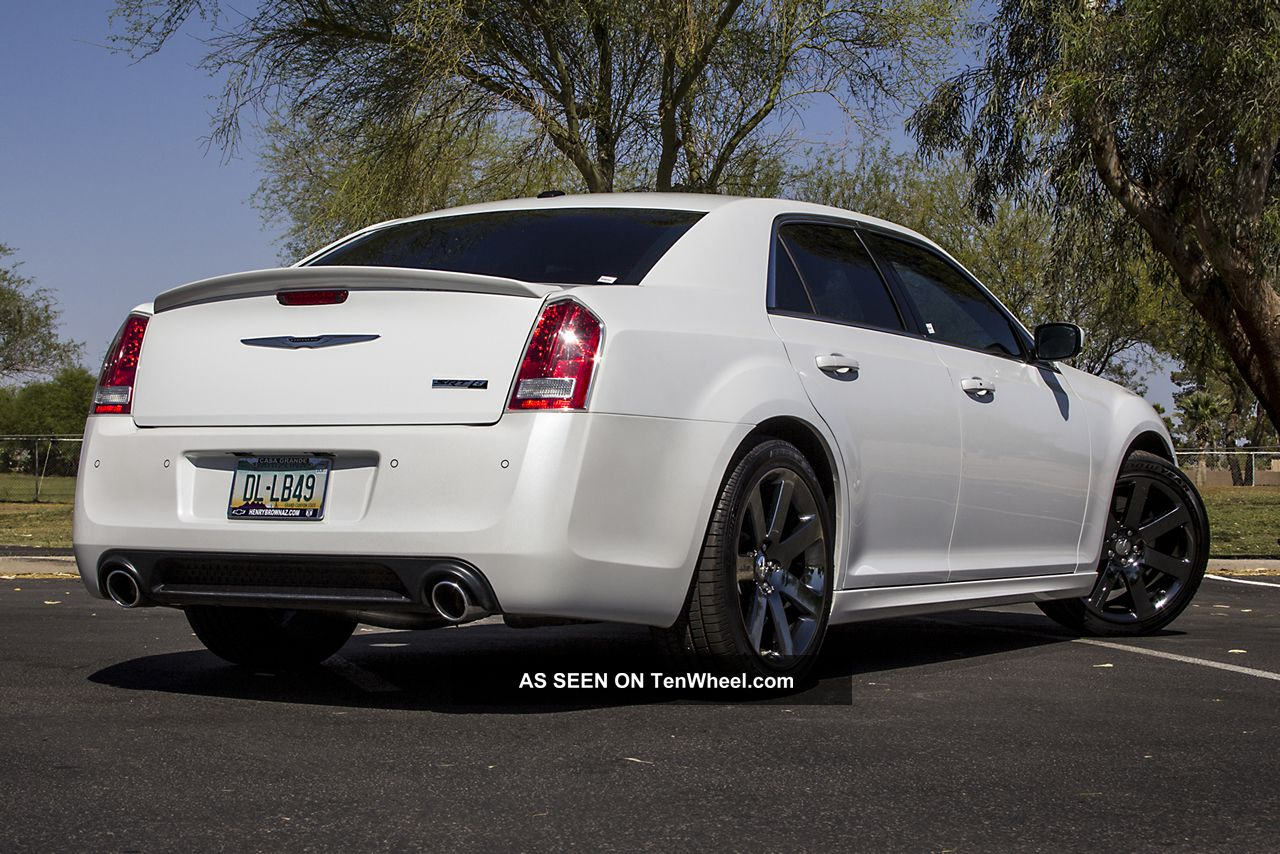 2012 chrysler 300 srt8 300 series photo 7. Cars Review. Best American Auto & Cars Review
