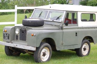 1965 Land Rover Defender,  Right Hand Drive.  2.  25ltr Engine.  For Spares Or Repair photo