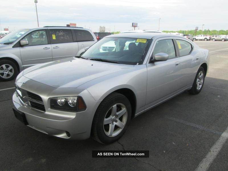 2010 Dodge Charger Se Sedan 4 - Door 2.  7l - 6 - Cylinder Gas - Power Breaks - Hardtop Charger photo