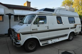 1990 Dodge B250 Extended Class B Camper Van photo