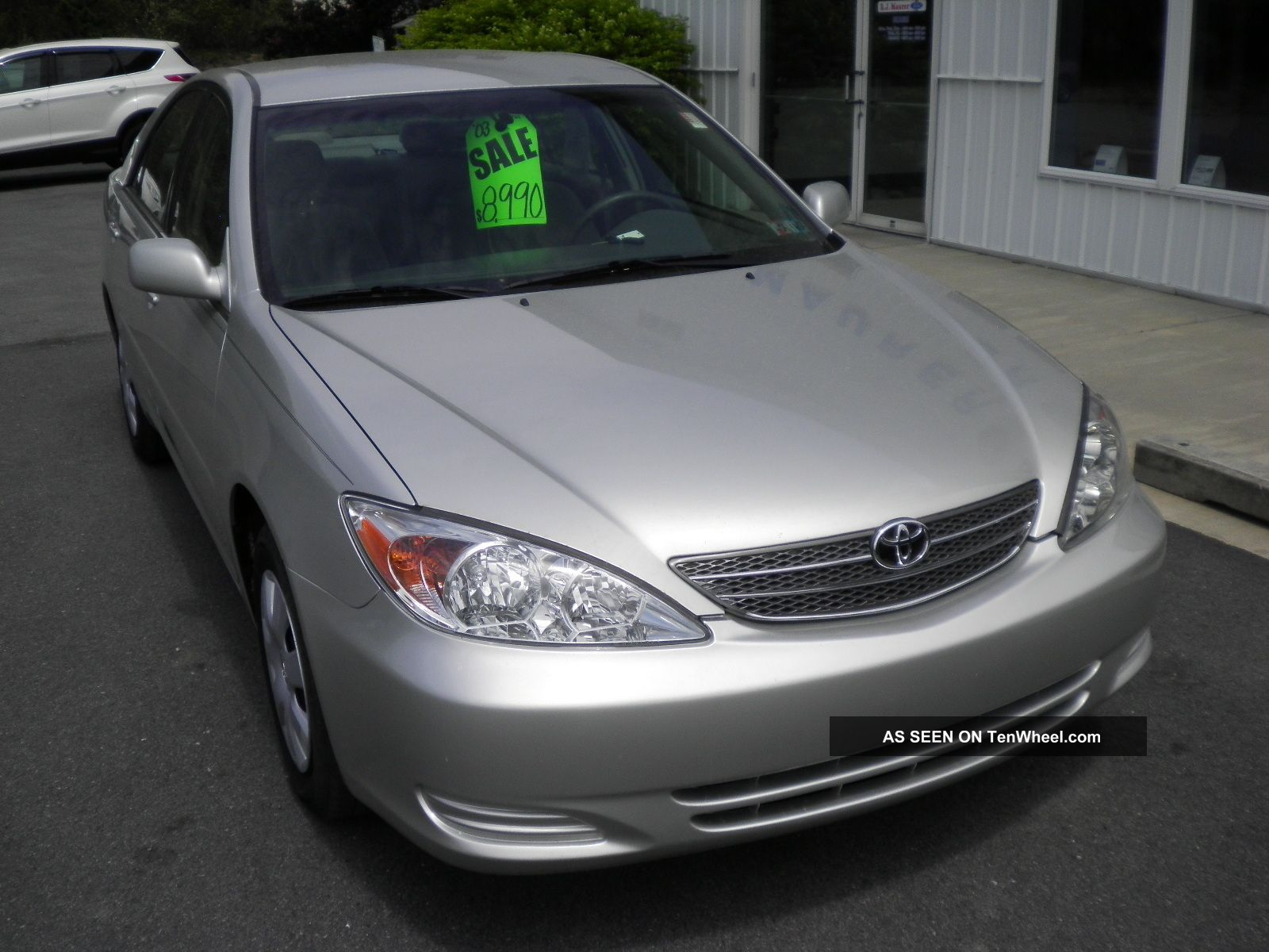 2003 Toyota Camry Le Sedan 4 - Door 2.  4l Camry photo