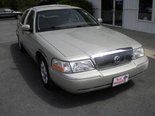 2005 Mercury Grand Marquis Ultimate Edition Sedan 4 - Door 4.  6l photo